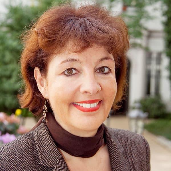 Dr. Ruth Schultze-Zeu